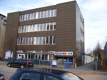 Produktions-/ Lagerhalle & Büroräume in Berlin-Neukölln