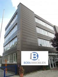 Gewerbehalle und Produktionsstätte mit Büroräumen in Neukölln. Ideal für Hostel und Event Center.