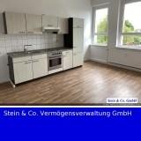 - für sofort- frisch renovierte Wohnung mit EBK in ruhiger Lage