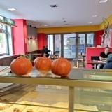 Kantine/Cafeteria in Bürogebäude inmitten von Büro- und Verwaltungsgelände in Prenzlauer Berg